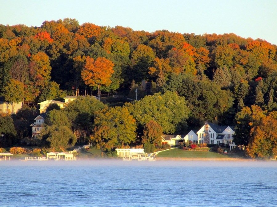 Geneva Lake for big family vacation rentals