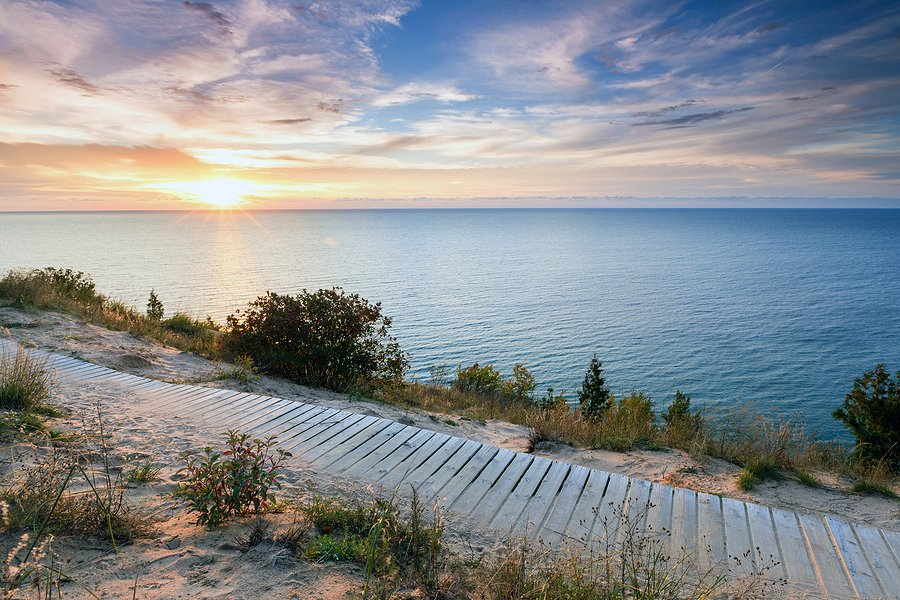 Lake Michigan is good location for big family vacation rentals